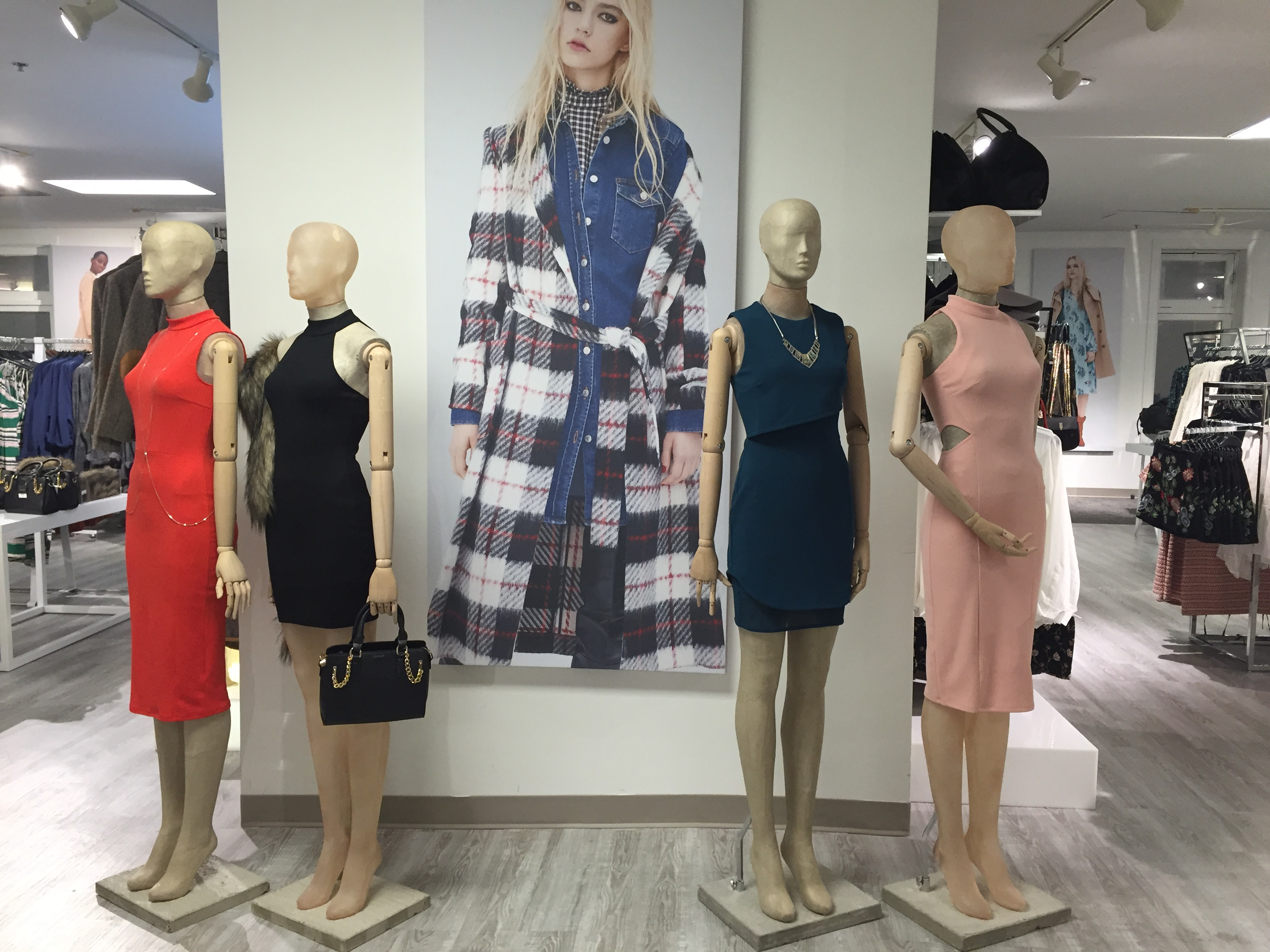 New In Ottawa: Topshop Pop-Up Store.
